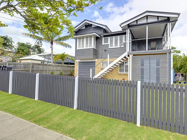 61 McIlwraith Avenue, Norman Park QLD 4170