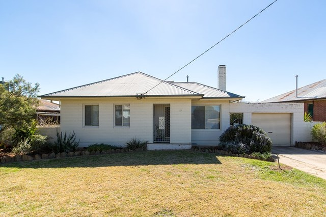 87 Bolger Avenue, Mount Austin NSW 2650