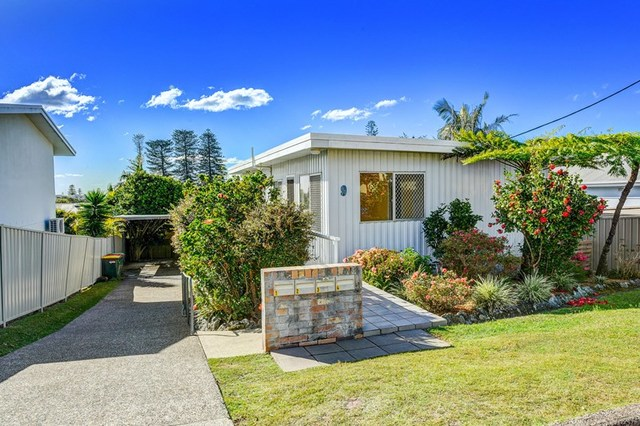 1/9 Arncliffe  Avenue, Port Macquarie NSW 2444