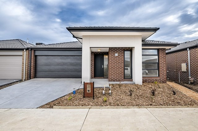 23 Ritchie  Drive, Clyde North VIC 3978