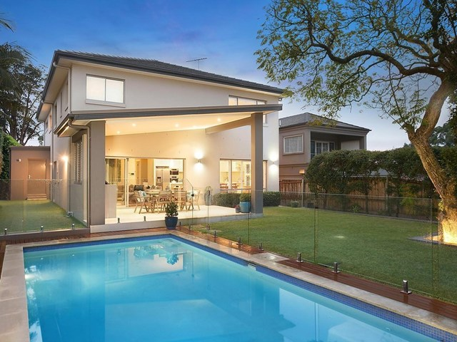 17 Raeburn Avenue, Castlecrag NSW 2068