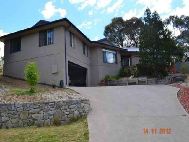 24 Stratos Place, NSW 2630