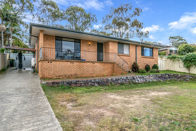 21 Hampstead Way, Rathmines NSW 2283