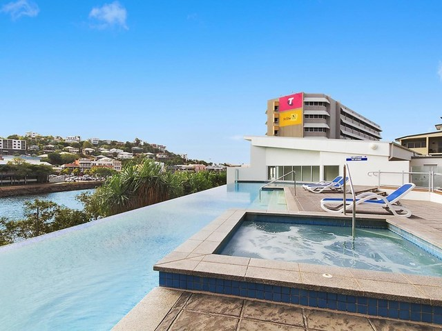 802/2 Dibbs Street, South Townsville QLD 4810