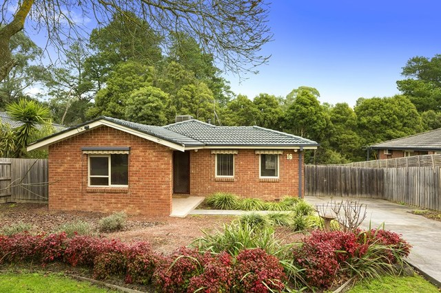 16 Jull Parade, Ringwood North VIC 3134