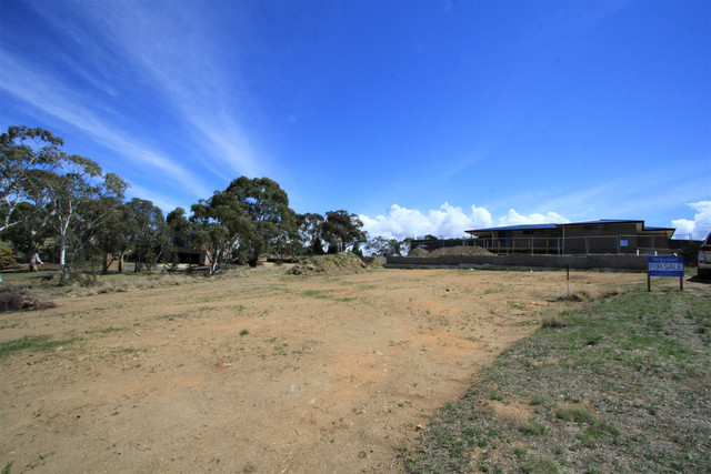 13 Alkoomi Place, Cooma NSW 2630