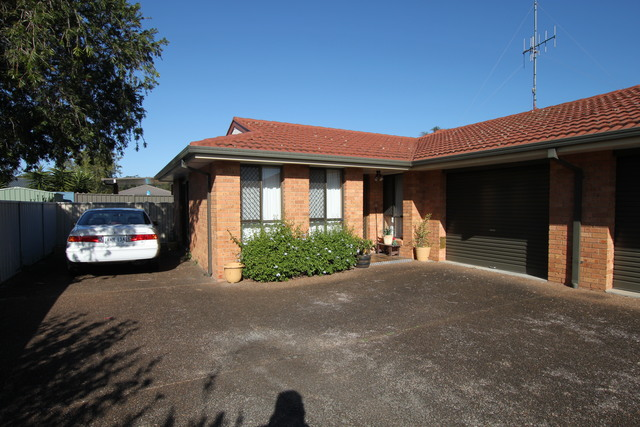 2/38 Kennewell Pde, Tuncurry NSW 2428