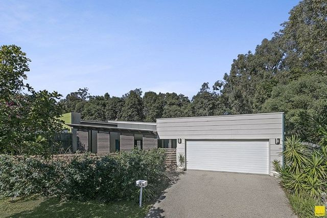 11 Serene Place, Birkdale QLD 4159