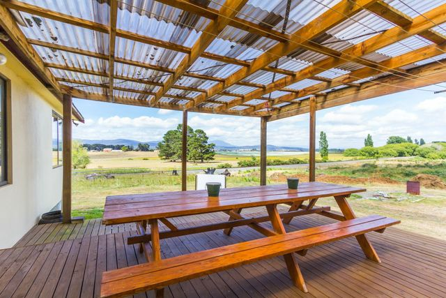 99 Deviation Road, Westbury TAS 7303