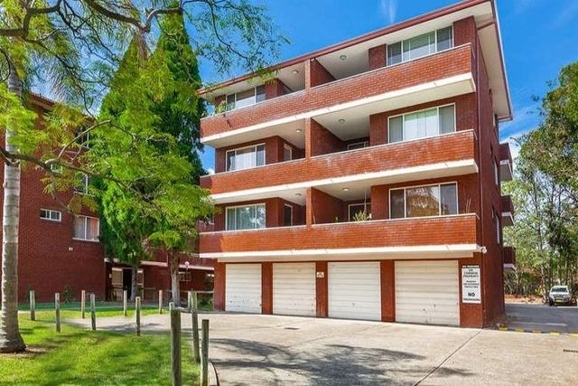 4/10 Burlington Road, NSW 2140
