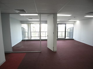 Suite 35/7 Narabang Way