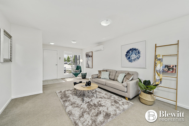 14/22 Henry Kendall Street, Franklin ACT 2913