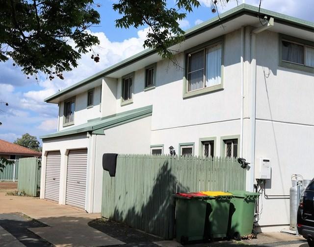 11 Toowoomba Road, Oakey QLD 4401