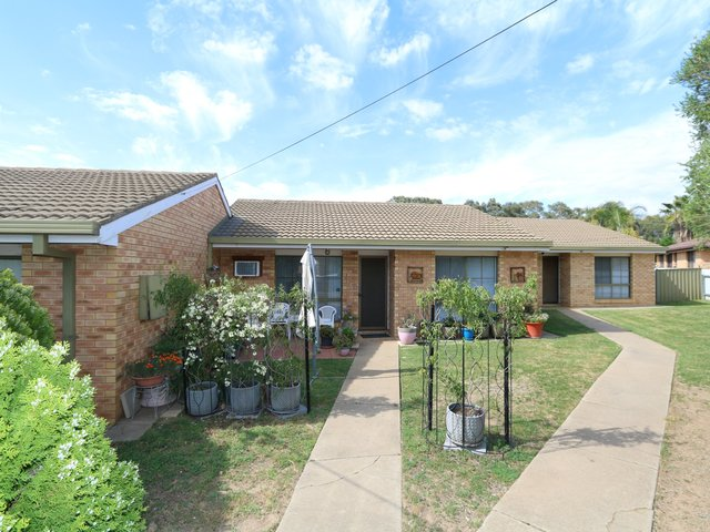 Unit 2/10 Wewak Street, Ashmont NSW 2650