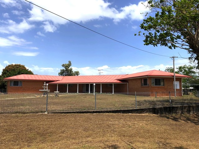 84 Tully Heads Rd, Tully Heads QLD 4854