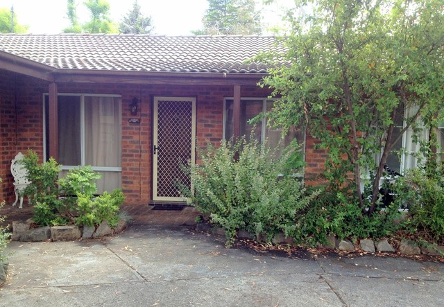 2/41 Cobbon Crescent, Jindabyne NSW 2627