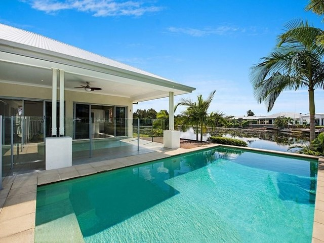 6 Tooringoor Close, Pelican Waters QLD 4551