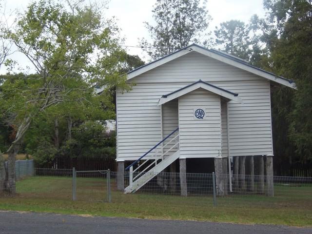 8 Chamberlain Street, Woolooga QLD 4570