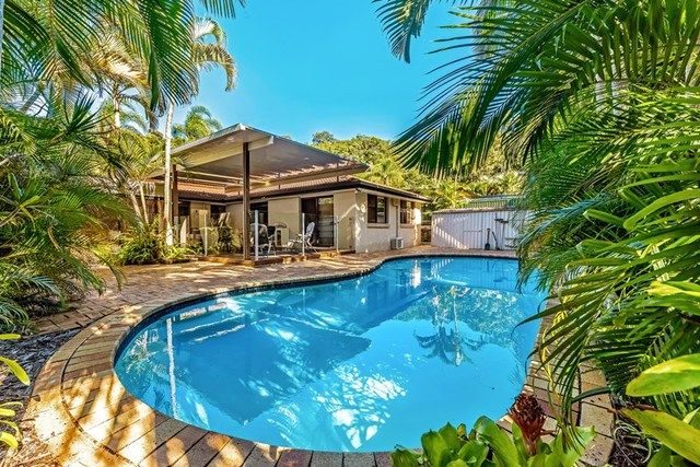 13 Glentrees Grove, Currumbin Waters QLD 4223