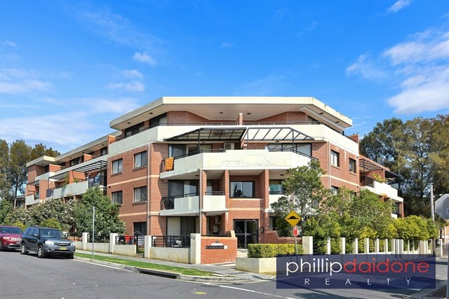16/2 Kitchener  Avenue, Regents Park NSW 2143