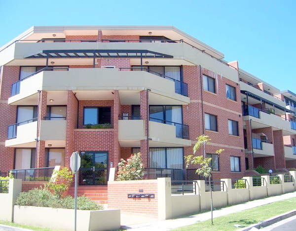 1/1 Kitchener Avenue, Regents Park NSW 2143