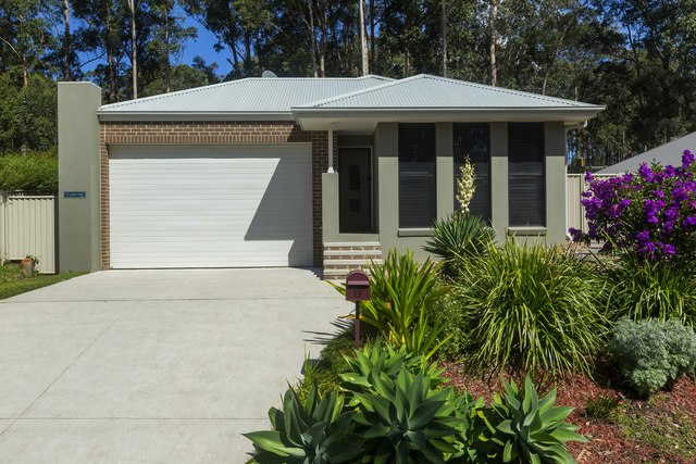 19 Luks Way, Batehaven NSW 2536