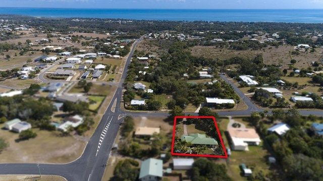 3 High Point Rd, Dundowran QLD 4655