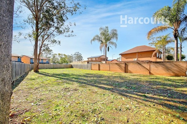 120 Parliament Road, Macquarie Fields NSW 2564