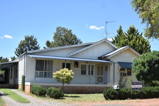 149 Kitchener Road, Temora NSW 2666