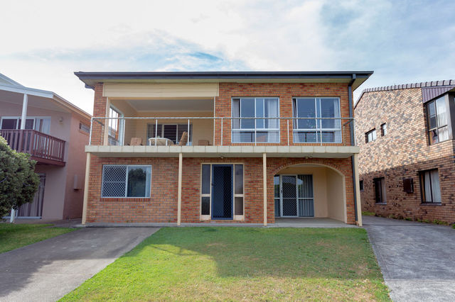 41b Pacific Parade, Old Bar NSW 2430
