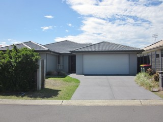 15 Seaspray Avenue
