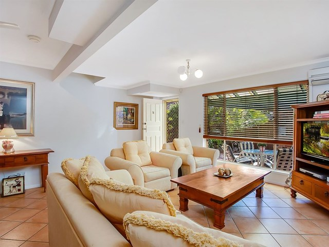 18/18 Bottlewood Court, Burleigh Waters QLD 4220