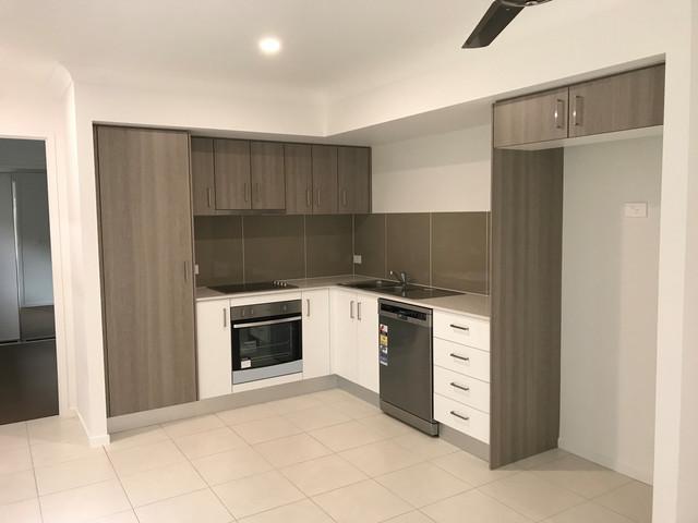 2/13 Seabreeze Place, Caloundra QLD 4551