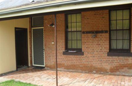 2/11 Howick Street, Tumut NSW 2720
