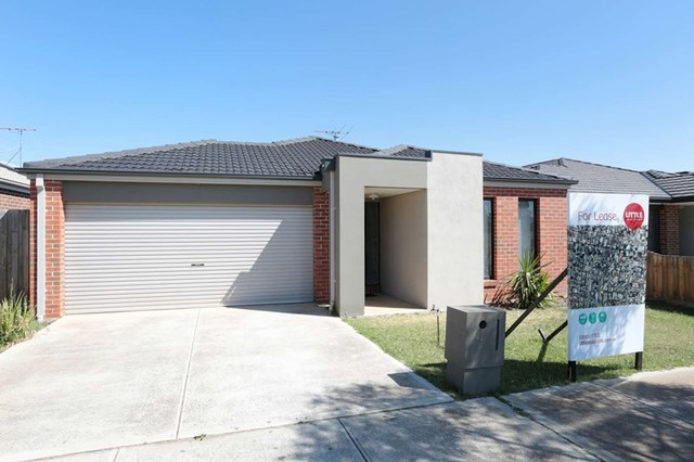 42 Turf Club Boulevard, Melton South VIC 3338