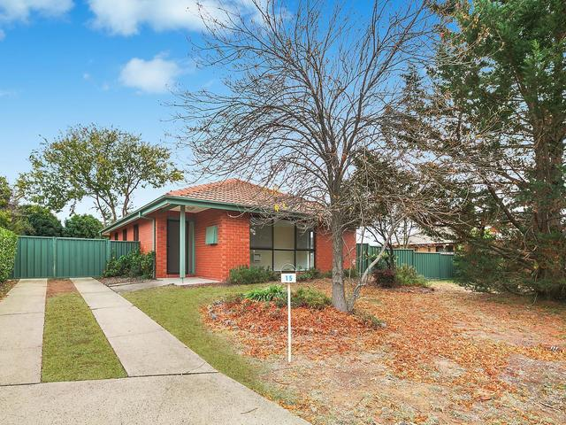 15 Hayden Close, Florey ACT 2615