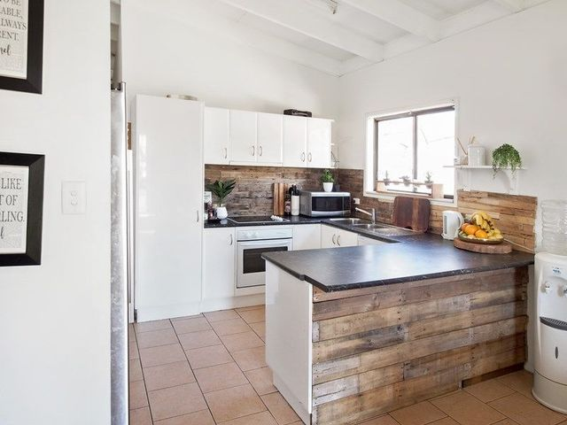 12 Dianthus Ave, Banksia Beach QLD 4507