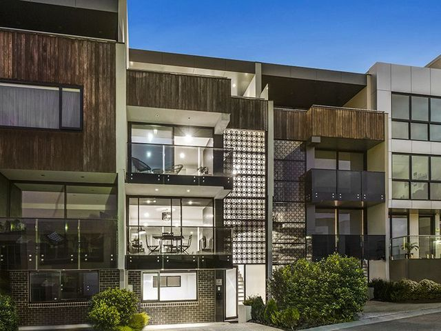 7 The Grand, VIC 3032