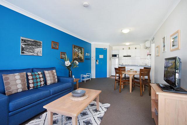 217 99 Griffith Street Calypso Plaza Resort, Coolangatta QLD 4225