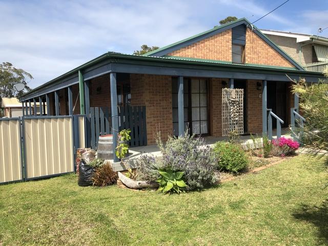 13 Lake Street, Tuross Head NSW 2537