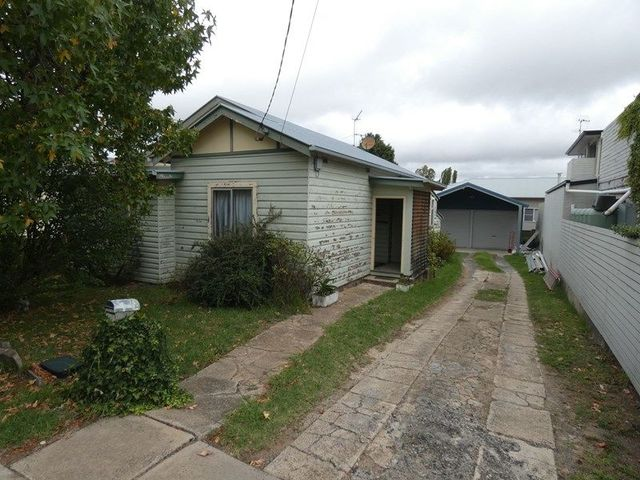 102 Donnelly Street, NSW 2350