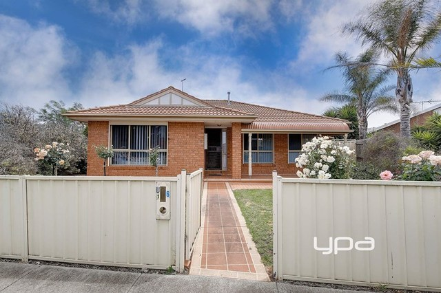 1/6 Oarsome Drive, Delahey VIC 3037
