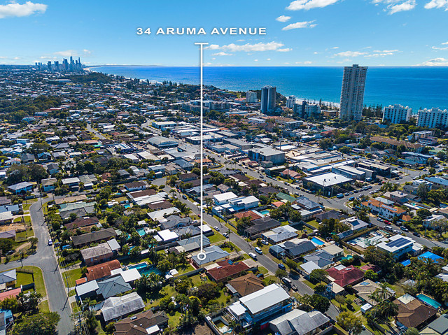 34 Aruma Avenue, Burleigh Waters QLD 4220