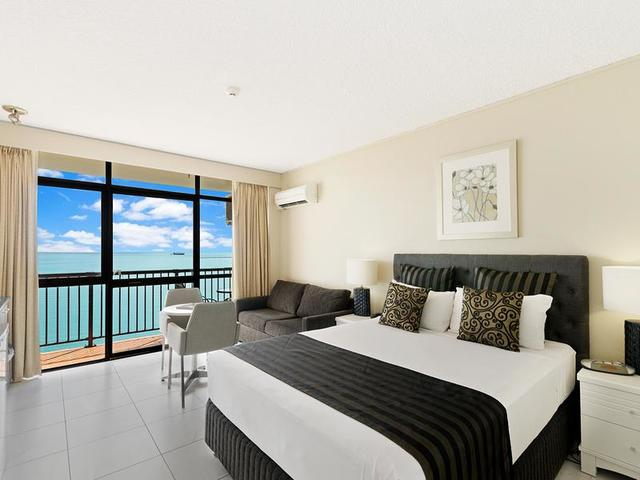 1107/75-77 The Strand, North Ward QLD 4810