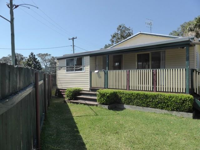 1 Kenrose Street, Forster NSW 2428