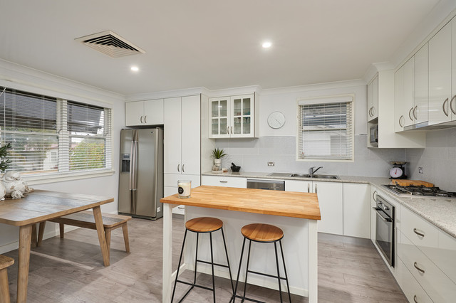19 Gowrie Parade, Mount Austin NSW 2650