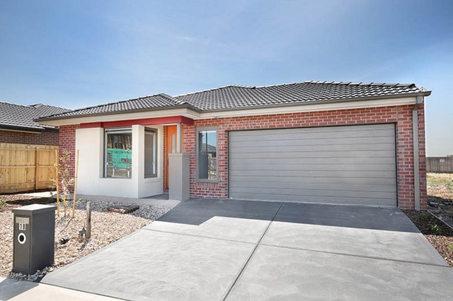 18 Melanda Drive, Melton South VIC 3338