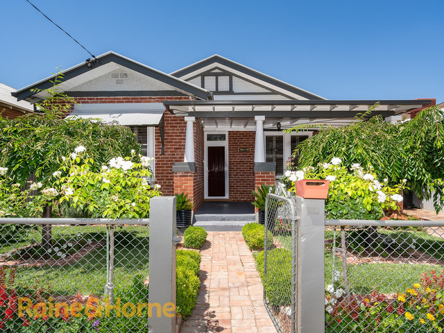 6 Yabtree Street, NSW 2650