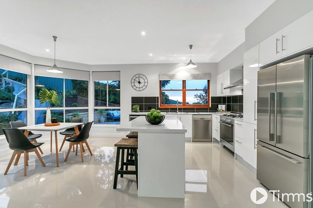 48 The Oaks Parade, Aberfoyle Park SA 5159