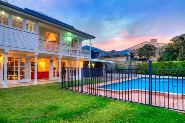 203 Rode Road, Wavell Heights QLD 4012
